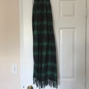 GAP Accessories - Gap green and black tartan scarf